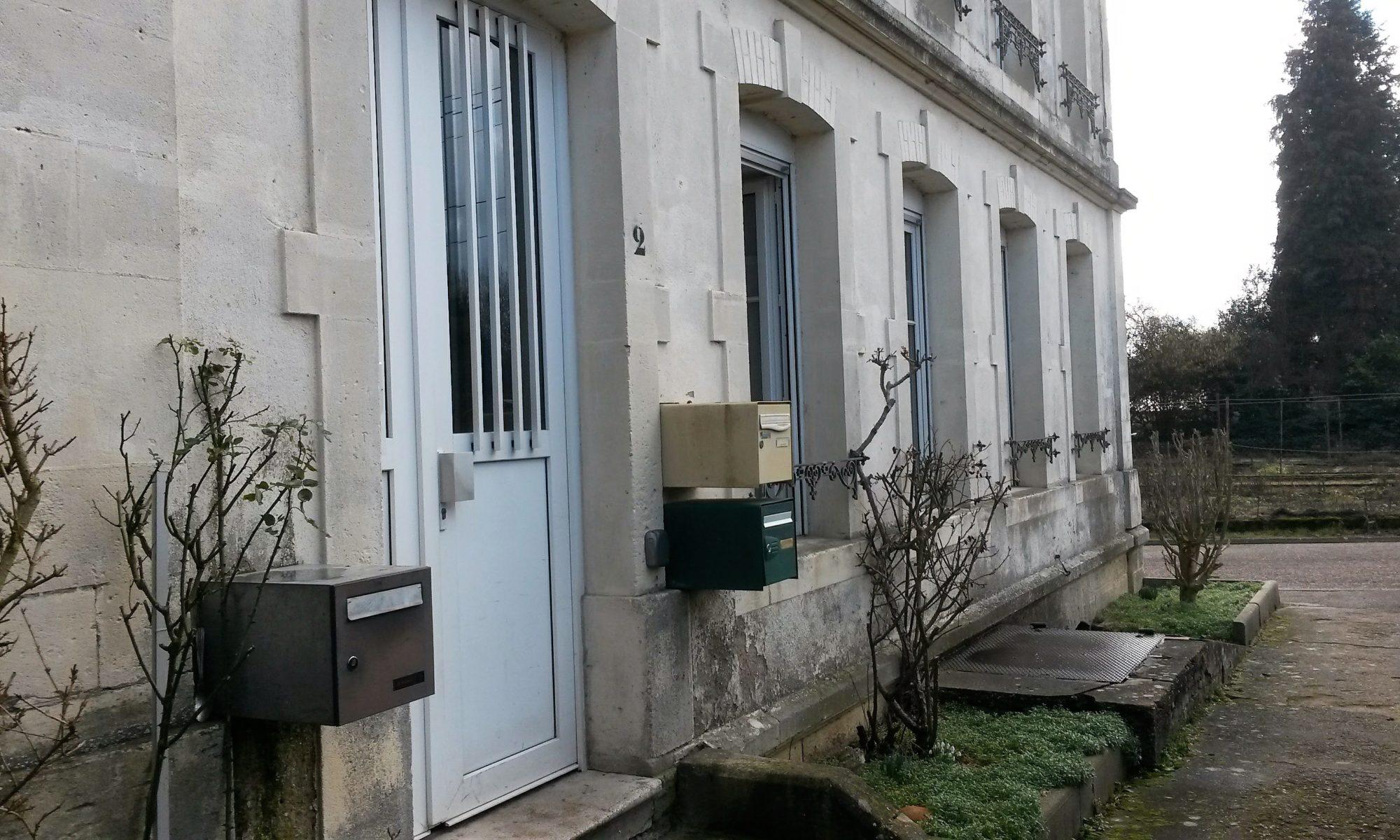Accès extérieur appartement à louer à Pagny-sur-Moselle (54)