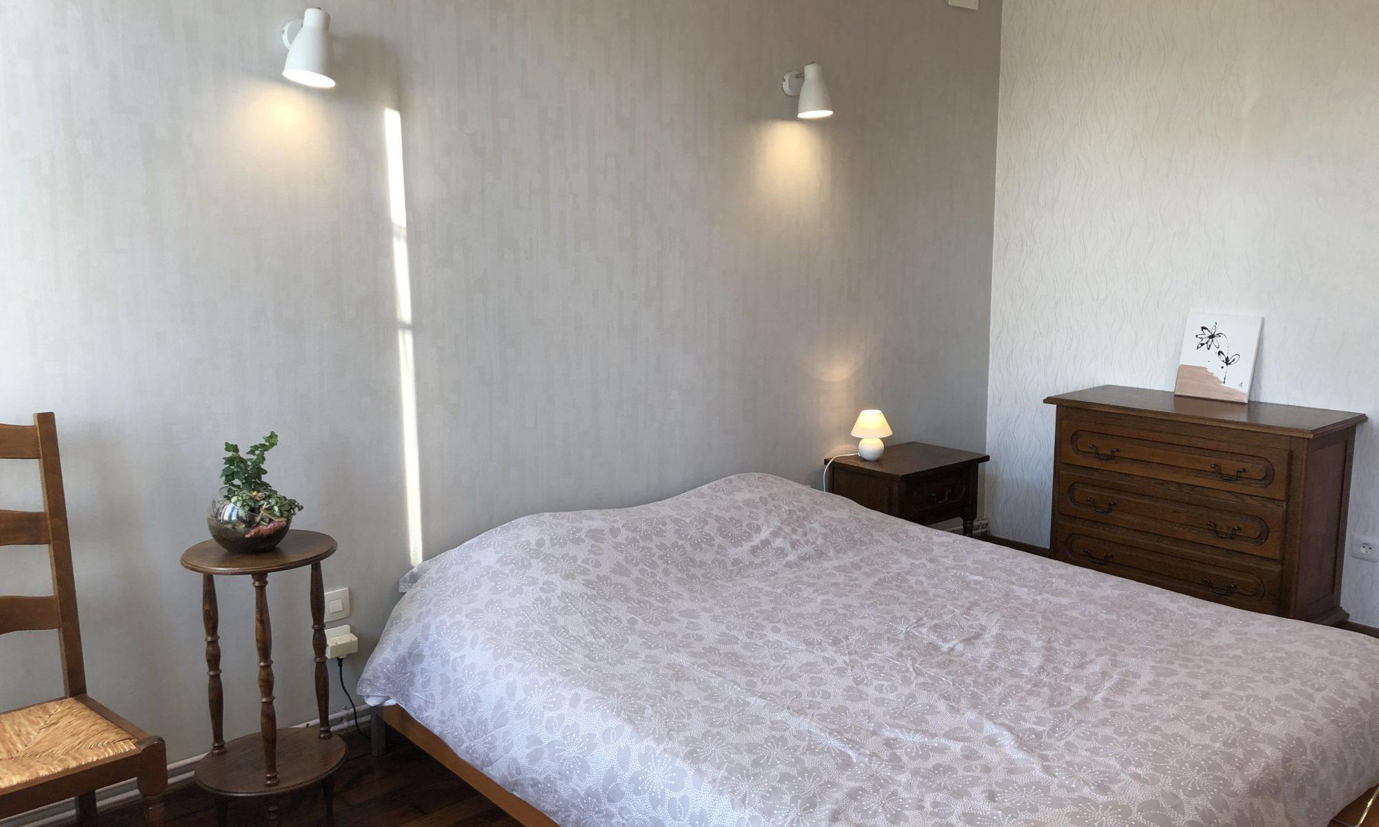 Chambre confortable pour deux personnes dans notre appartement à louer
