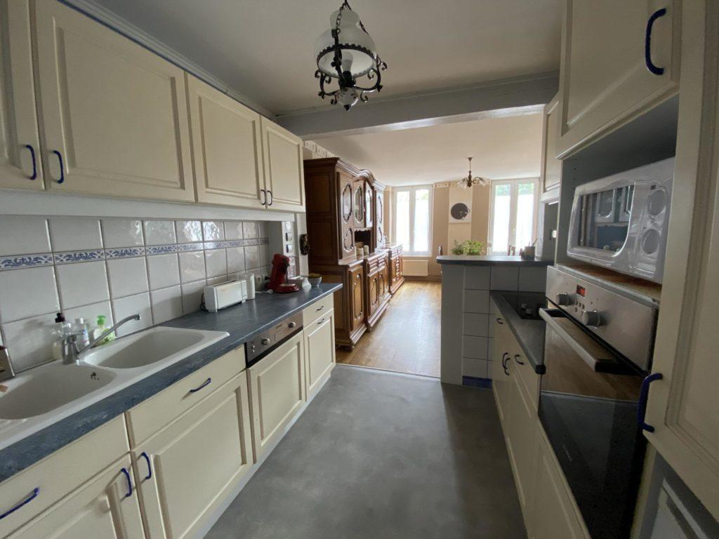 Cuisine equipee complete appartement en location meublee proche pont a mousson 54